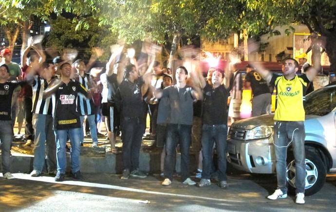 Protesto Torcida Botafogo (Foto: Hector Werlang)
