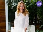 Look do dia: Suki Waterhouse usa blusa com franjas em São Paulo