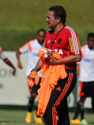 Vanderlei Luxemburgo comanda treino do Flamengo (Foto: Gilvan de Souza / Flamengo)