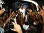 """Aos gritos de """"Mito"""", São Paulo ganha festa na chegada ao Maranhão; vídeo"""