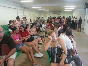 Casos de dengue lotam prontos-socorros em Santos (Foto: Solange Freitas/TV Tribuna)