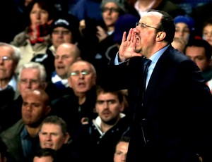 Rafael Benitez na partida do Chelsea contra o Manchester City (Foto: Getty Images)