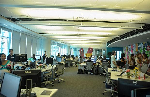 Sede do Facebook em São Paulo tem poucas salas para uma maior interação entre os funcionários (Foto: Flavio Moraes/G1)