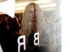 Mendigata é barrada em festa da 'Playboy' após lotação no evento