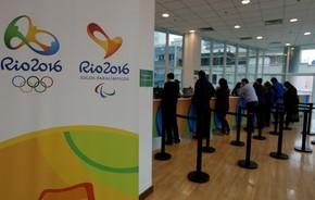 fa184e1b4 Venda de ingressos para os Jogos Olímpicos em bilheterias (Foto  Reuters)