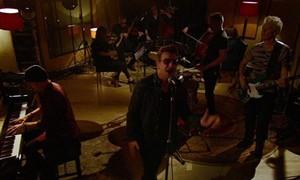 U2 faz apresentação exclusiva para o Fantástico (Rede Globo)