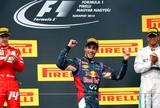 Ricciardo passa Alonso e Hamilton no fim e vence imprevisível GP da Hungria