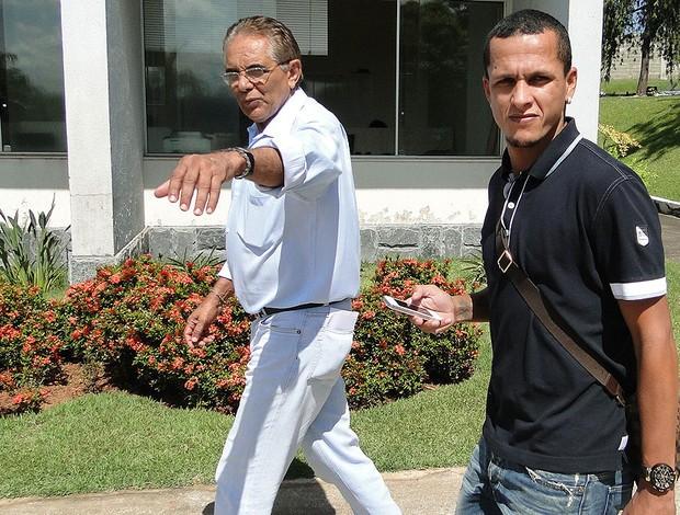 Meia Souza chega ao Cruzeiro (Foto: Divulgação / Cruzeiro)
