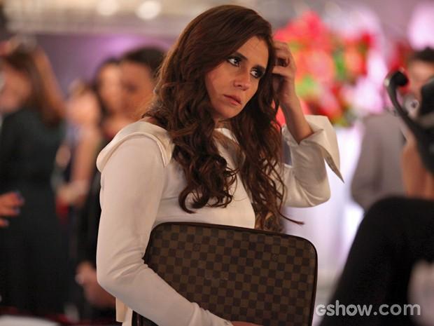 Giovanna se prepara para entrar em cena (Foto: Pedro Curi/ TV Globo)