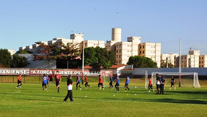 Treino do elenco Atlético-GO (Foto: Guilherme Gonçalves/Globoesporte.com)