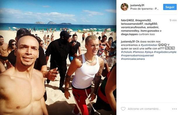 Fã tira selfie com Justin Bieber (Foto: Reprodução/Instagram)