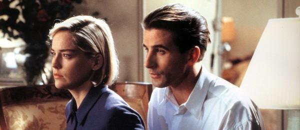 Billy Baldwin e Sharon Stone, em 'Invasão de Privacidade' (1993) (Foto: Divulgação)