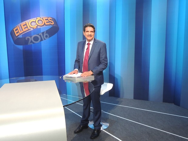 Candidato à prefeito do Recife João Paulo (PT) participa de debate promovido pela TV Globo nesta sexta-feira (28) (Foto: Artur Ferraz/G1)