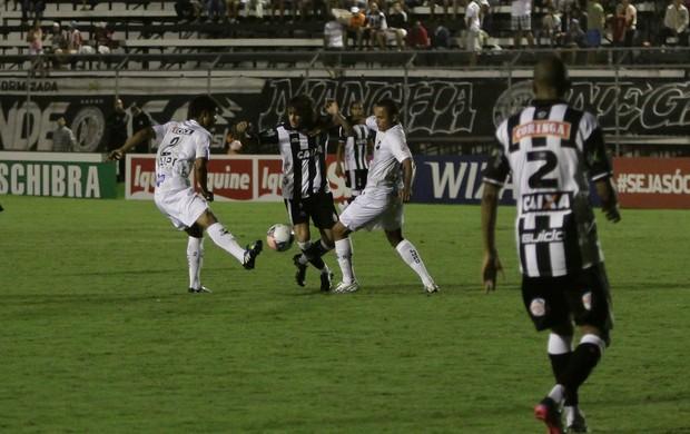 Valdívia, meia do ASA no jogo contra o ABC (Foto: José Feitosa / Gazeta de Alagoas)