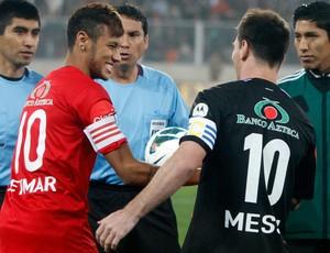 Neymar e Messi - Jogo amigos Messi (Foto: AP)