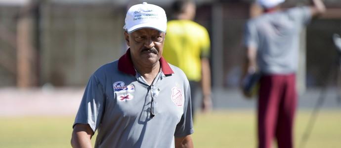 José Carlos Serrão, técnico do Sertãozinho (Foto: Rodrigo Corsi / FPF)