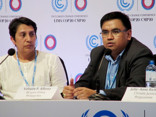 Ambientalista filipino Voltaire Alferez discursa durante a COP 20 em Lima, no Peru (Foto: Eduardo Carvalho/G1)