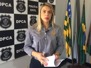 Delegada Renata Vieira afirma que menina morreu por asfixia (Foto: Paula Resende/ G1)