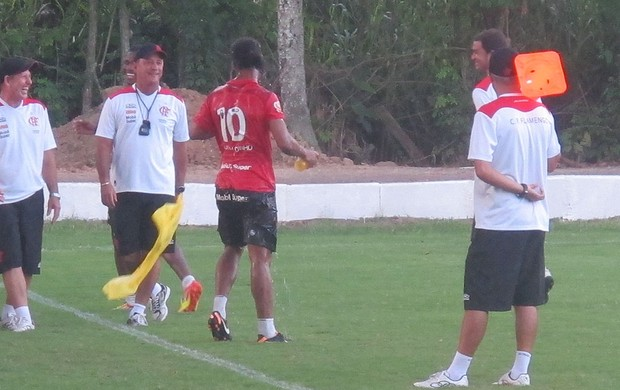 Ronaldinho Gaucho molhado (Foto: Richard Fausto de Souza / Globoesporte.com)