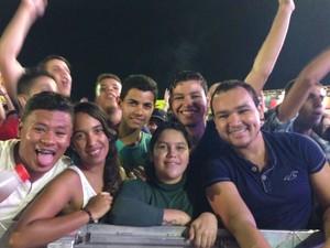Jonatha Luiz (1º à direita), designer (Foto: Paula Cavalcante/ G1 Caruaru)