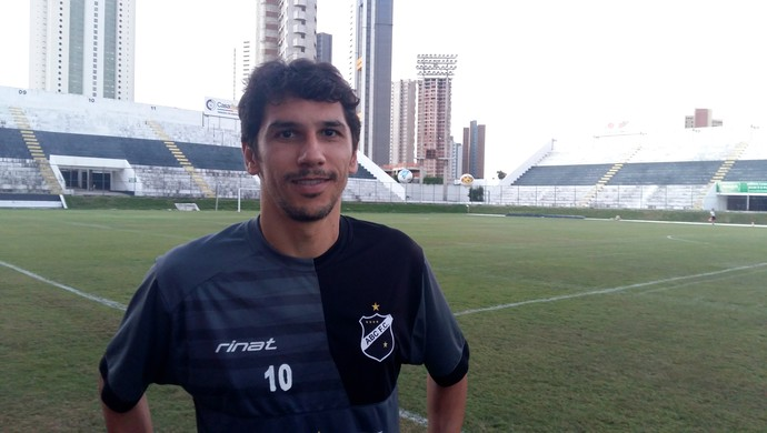 ABC - Lúcio Flávio, meia (Foto: Jocaff Souza/GloboEsporte.com)