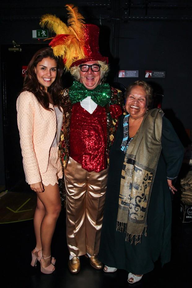 Paloma Bernardi com a avé e Stepan Nercessian (Foto: Manuela Scarpa/Photo Rio News)
