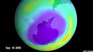Após proibição de CFCs, buraco na camada de ozônio continuou aumentando e agora estabilizou (Foto: Getty Images)