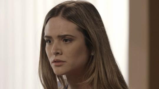Simone discute com Silvana por causa do vício em jogo