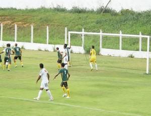 Cordino e São José-MA, pelo Campeonato Maranhense, no Estádio Leandrão (Foto: Leonilson Mota / Divulgação)