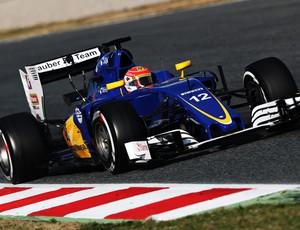 Felipe Nasr em ação nos testes de pré-temporada da Fórmula 1 em Barcelona (Foto: Getty Images)
