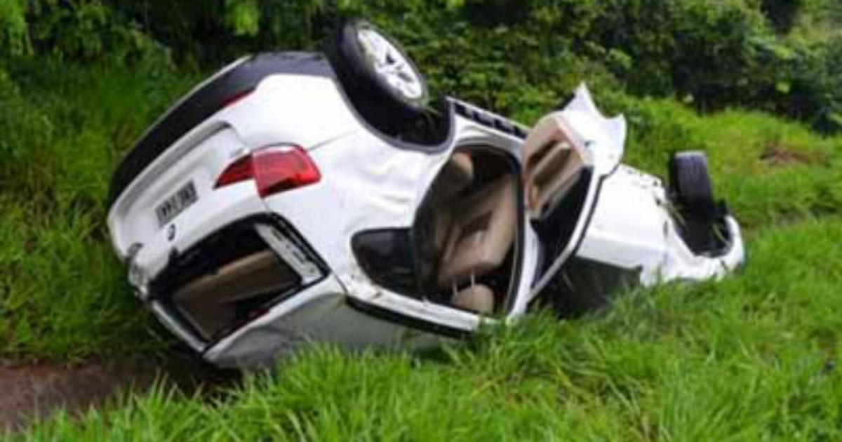 Veículos batem de frente e dez pessoas ficam feridas em Quintana - Globo.com