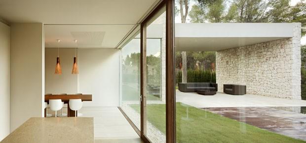 Casa minimalista na Espanha (Foto: Mariela Apollonio)