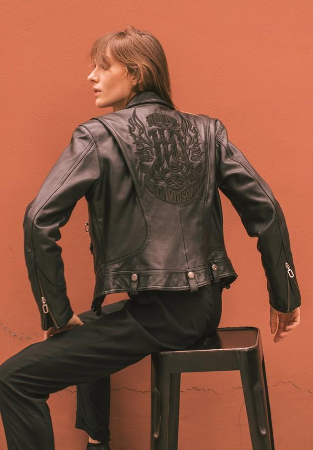 Jaqueta de couro da BrowNY (Foto: Eduardo Bravin)