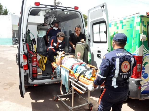 Paciente é transferido do Socorrão I para unidade mista do Bequimão (Foto: Divulgação)