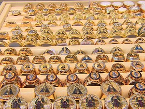 343fa4d20a9 Comércio de joias e semijoias atrai vendedores para Itabaiana (Foto   Reprodução TV Sergipe)