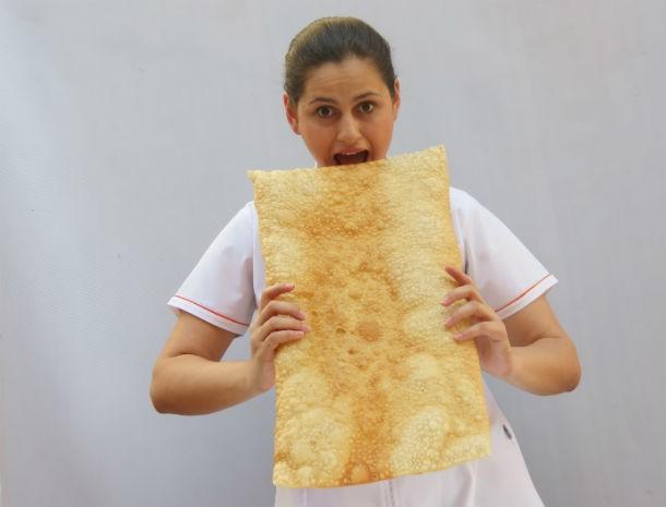 Pastel de 5kg alimenta de 15 a 20 pessoas, segundo a chef (Foto: Rubiane Mello/Arquivo Pessoal)