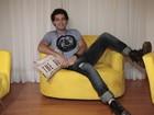 Rafael Almeida promove show em mansão para lançamento de EP