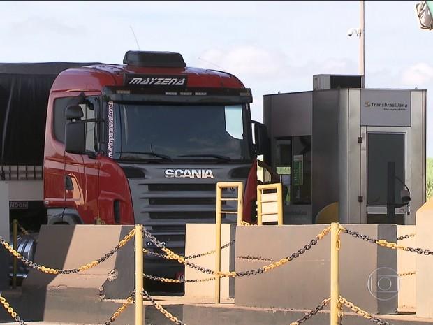 BDBR - Caminhões pedágio (Foto: Rede Globo)