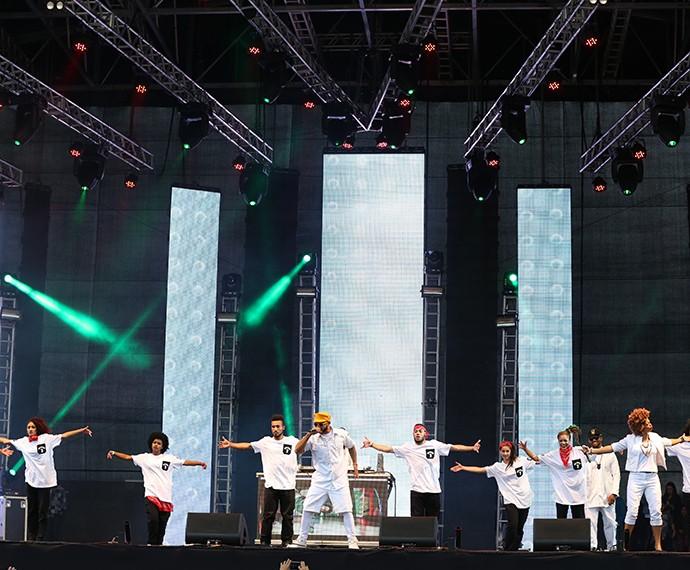 A galera do Ao Cubo colocou o público para dançar (Foto: Carol Caminha/Gshow)