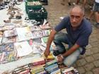 'Evito que voltem para o lixo', diz vendedor de livros usados em Bauru
