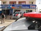 Homem assalta farmácia em João Pessoa e leva pertences de clientes