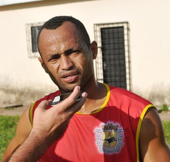 Araújo Goiano, volante do Galvez (Foto: Duaine Rodrigues)