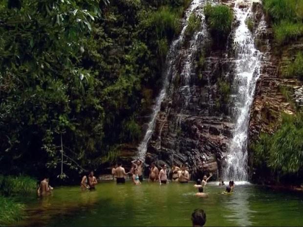 A Lagoa Azul é um dos destinos mais procurados pelos turistas (Foto: Reprodução EPTV / Luciano Tolentino)