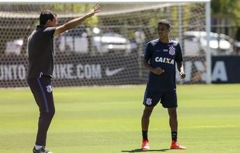 Carille escala Corinthians com sete jogadores da base para pegar o RB