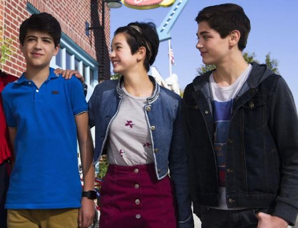 Os três protagonistas do programa Andi Mack da Disney qye estarão envolvidos em um triângulo amoroso (Foto: Divulgação)
