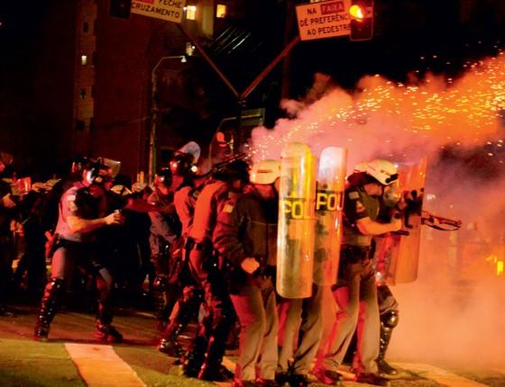 Cenas do protesto da semana passada,em São Paulo.O uso da força em protesto pode ser pior das alternativas (Foto:  WARLEY LEITE/BRAZIL PHOTO PRESS)