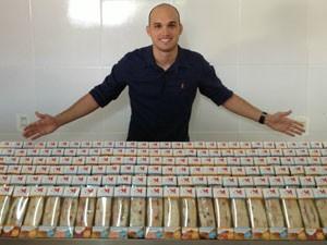 Thiago vende sanduíches naturais (Foto: Arquivo Pessoal)