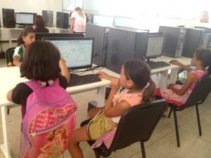 Oficinas de inclusão digital estão entre as atividades no CEU das Artes (Foto: Abinoan Santiago/G1)