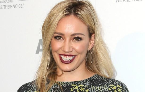 A cantora Hilary Duff, que completa 27 anos de idade em setembro, era virgem até se casar com o jogador canadense de hóquei Mike Comrie. Eles tiveram um filho e se separaram em janeiro de 2014. (Foto: Getty Images)