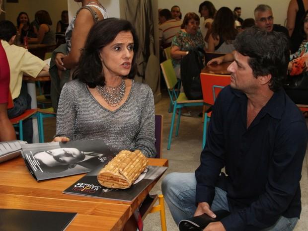 Marieta Severo e Marcelo Serrado em prêmio de teatro na Zona Norte do Rio (Foto: Anderson Borde/ Ag. News)
